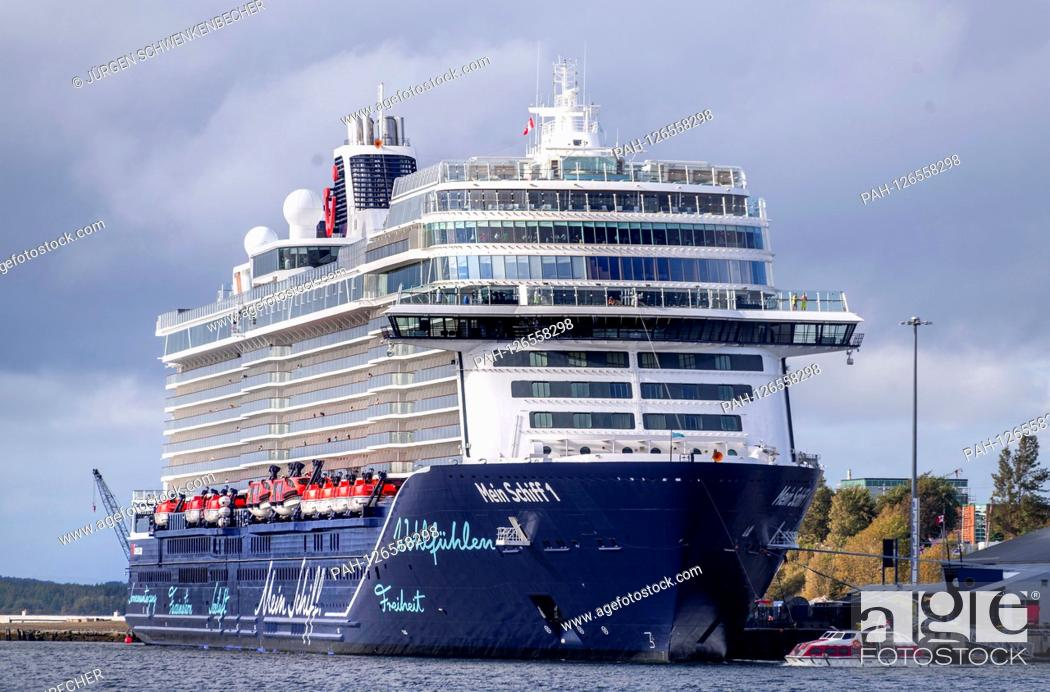 The Cruise Ship Mein Schiff 1 Tui Cruises Here In The Port Of