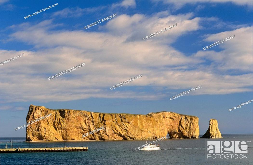 Stock Photo: Tour boat in front of Percé Rock, Gaspe Peninsula, Quebec, Canada.