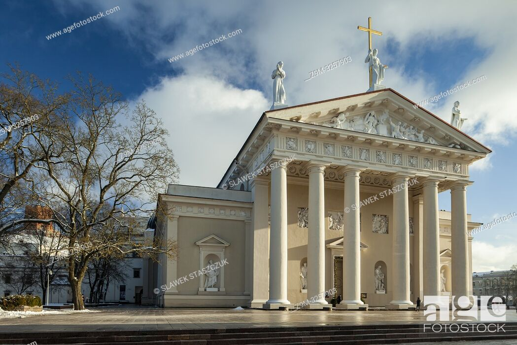 Stock Photo: Winter afternoon at Vilnius Cathedral, Lithuania.