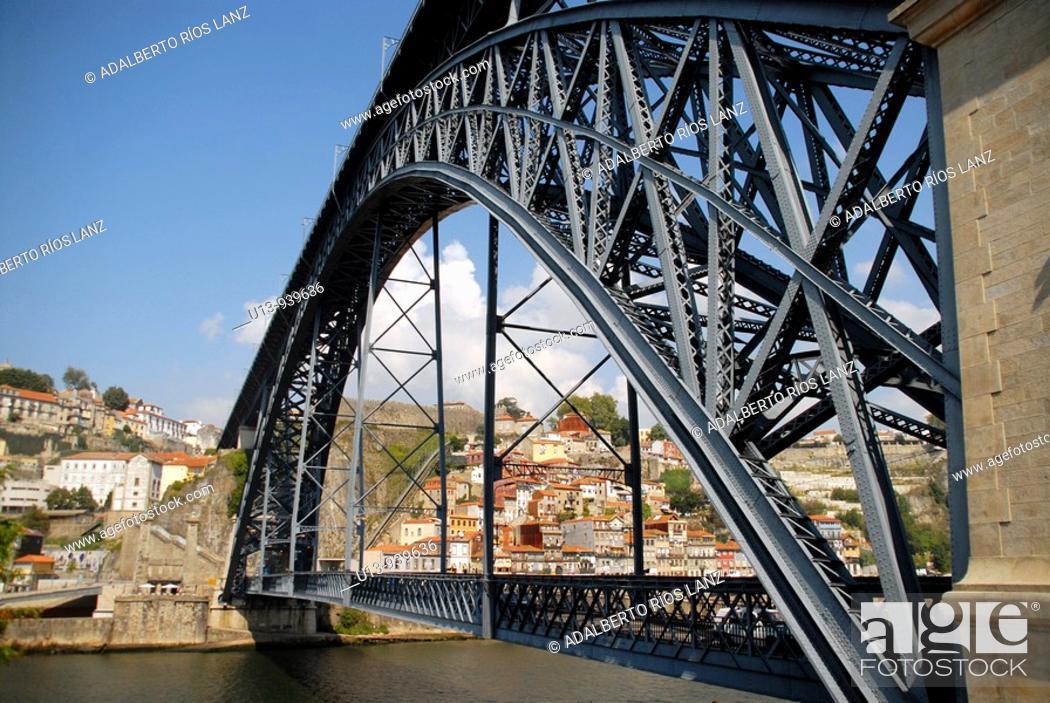 Stock Photo: Dom Luis I Bridge, Porto, Portugal.