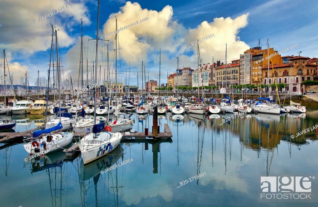 Stock Photo: Marina, Cimadevilla, Gijon. Asturias. Spain, Europe.