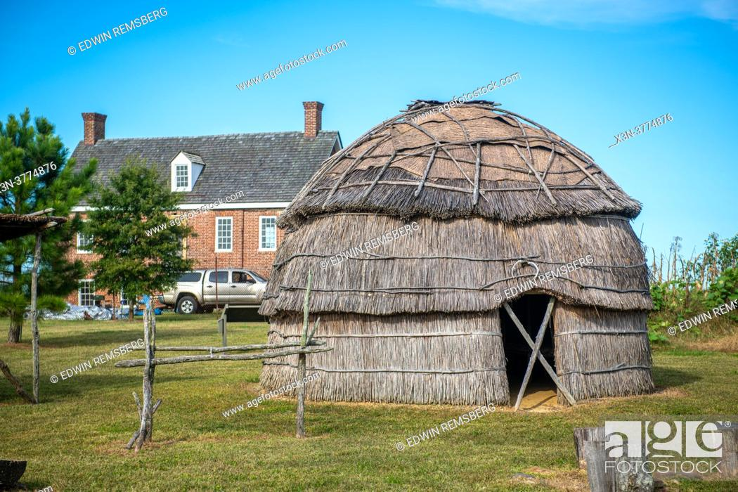 Stock Photo: Nanticoke long house recreation at Hansel House historic site.