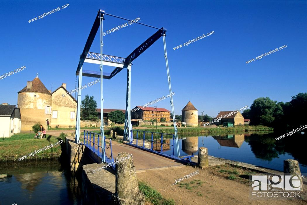 Stock Photo: bascule bridge at Dirol, Canal of Nivernais, Nievre department, region of Burgundy, center of France, Europe.