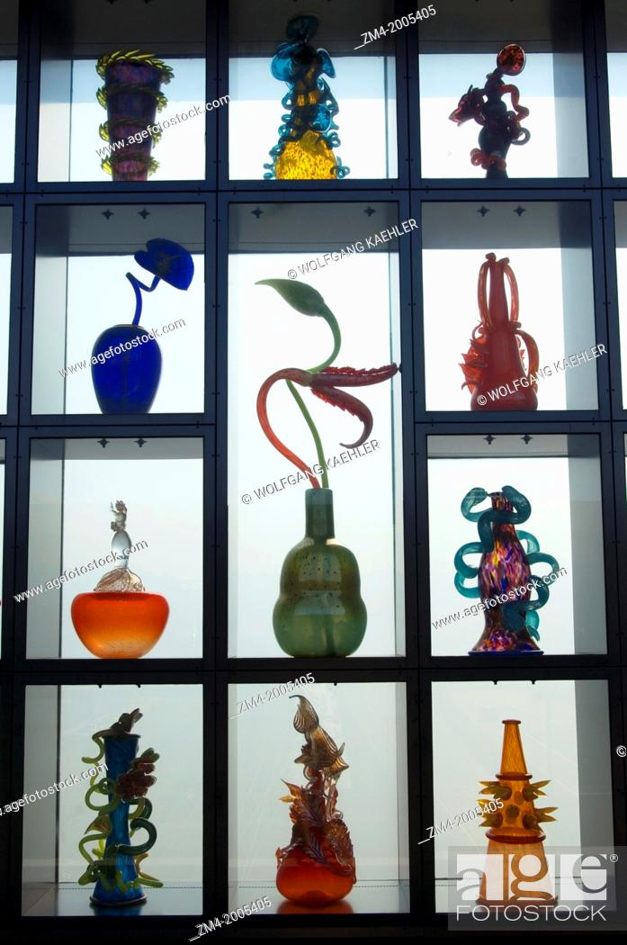 Stock Photo: USA, WASHINGTON STATE, TACOMA, MUSEUM OF GLASS, CHIHULY BRIDGE OF GLASS, GLASS ART IN SIDE PANNELS.