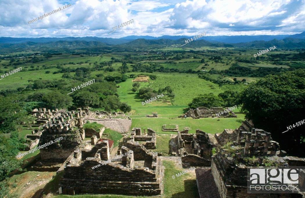 Stock Photo: Toniná city, ruins of ancient maya city. Ocosingo valley, Chiapas, Mexico.