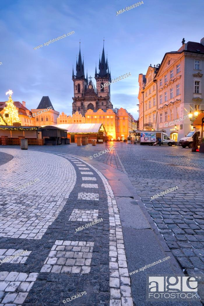Stock Photo: Prague, Czech Republic The Church of Saint Mary of Tyn photographed during Christmas.