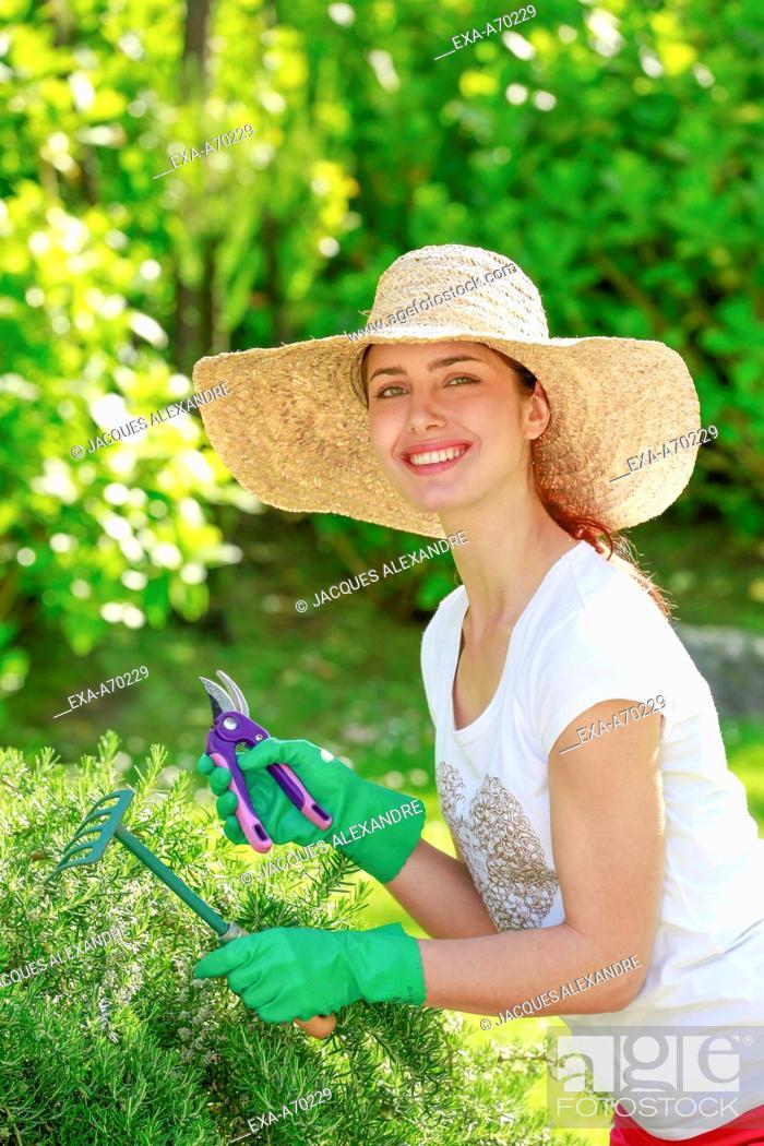 Imagen: Woman at gardening.