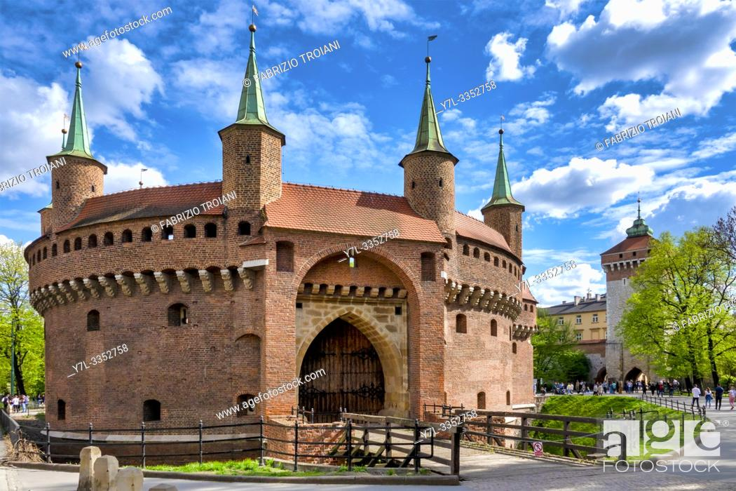 Photo de stock: The great barbican and St Florian gate, Krakow, Poland.