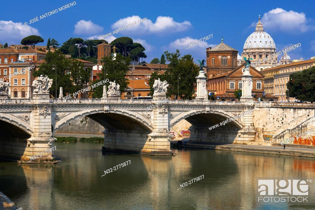 Stock Photo: Sant Angelo Bridge, River Tiber, Rome, Lazio, Italy.