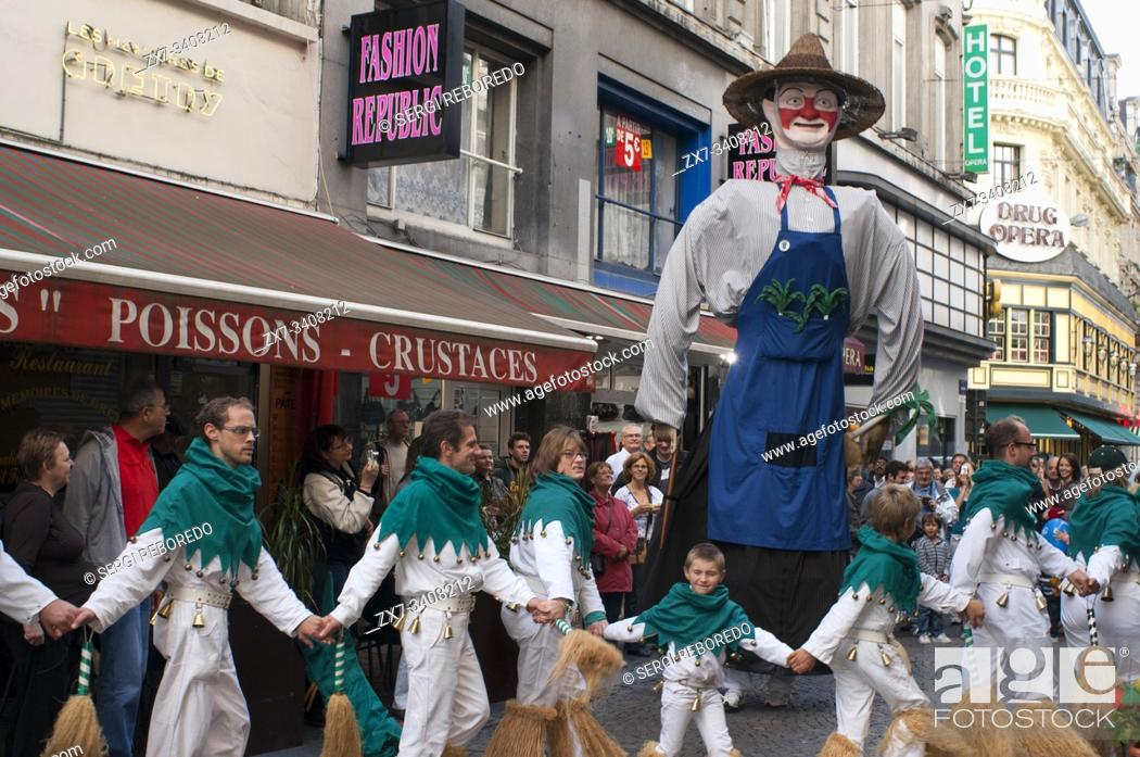 Stock Photo: Music and dancers during during Giants Parade, Brussels, Belgium.