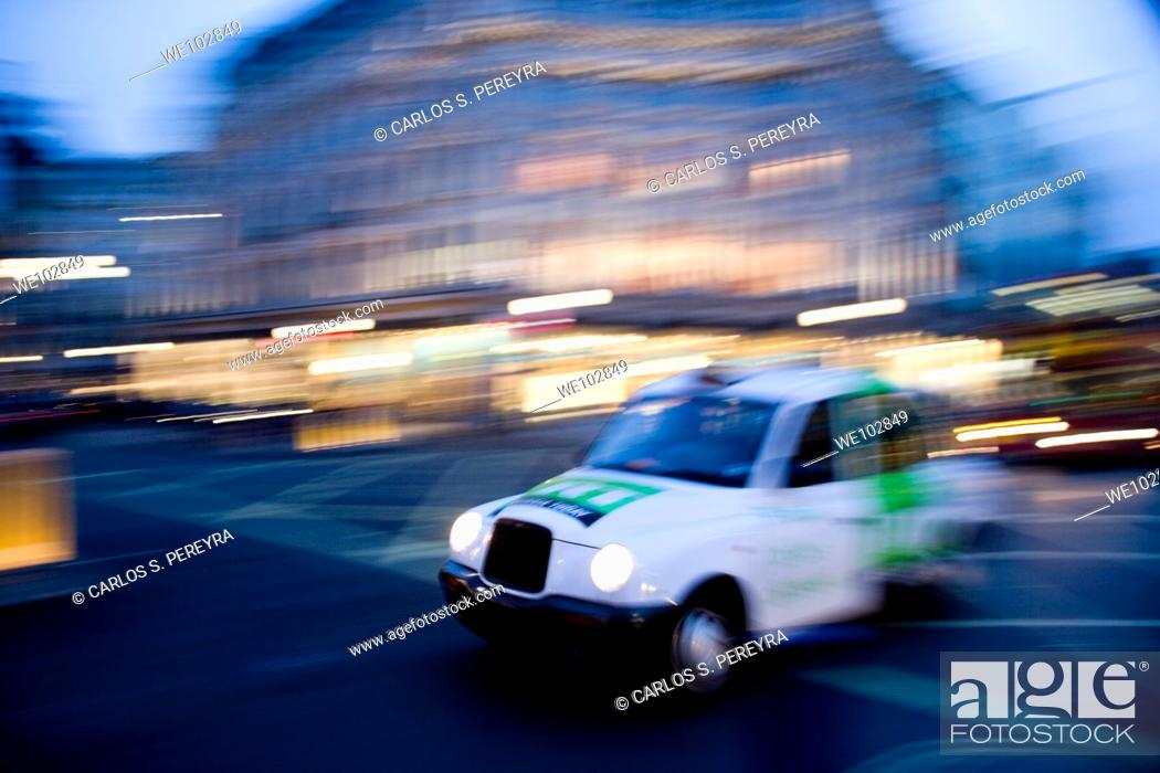 Stock Photo: Taxicab in London, Great Britain, UK.