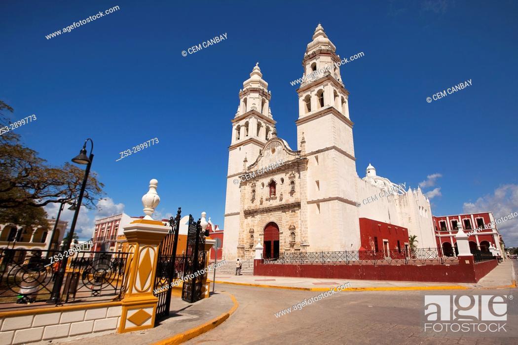 Imagen: Catedral de Nuestra Senora de la Purisima Concepcion, Cathedral of Campeche at Zocalo in the historical center listed as World Heritage Site by Unesco.