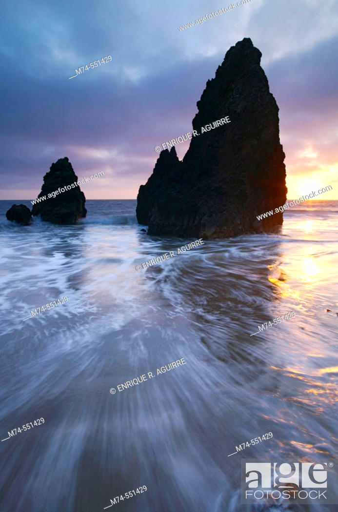 Stock Photo: Sunset over sea stacks at Rodeo Cove, Golden Gate NRA, Marin Headlands, San Francisco, California, USA.