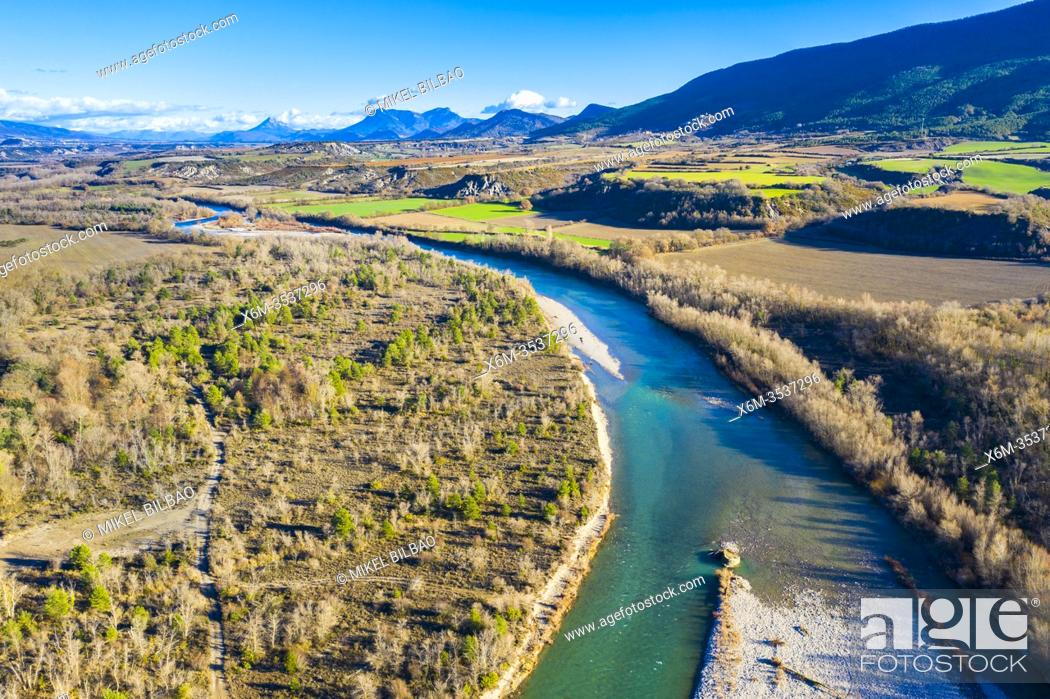 Imagen: Riverbed in a natural landscape. Aragon river close to Yesa reservoir. Aerial view. Zaragoza, Aragon, Spain, Europe.