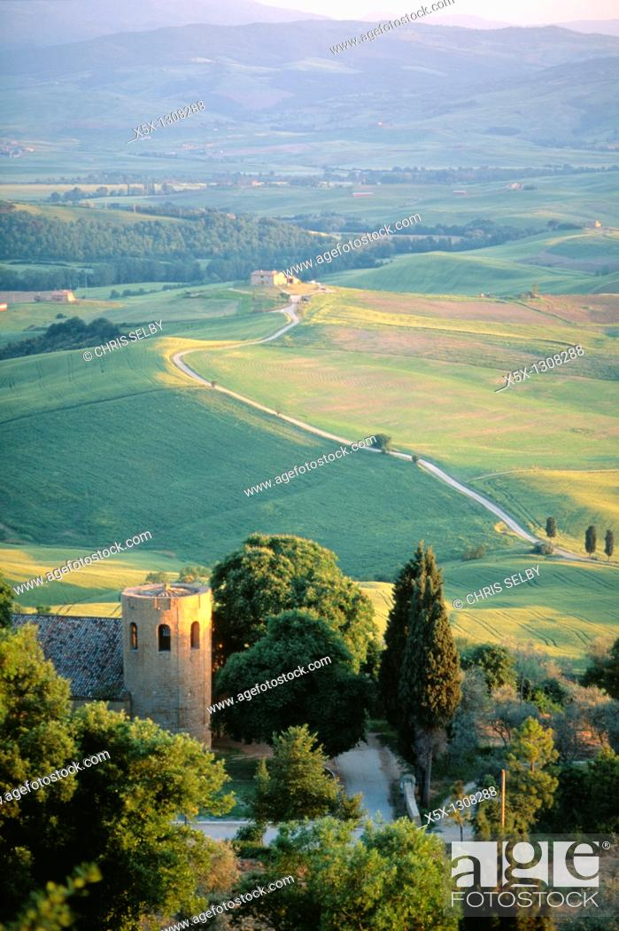 Stock Photo: Round tower and hills near Pienza, Tuscany, Italy.