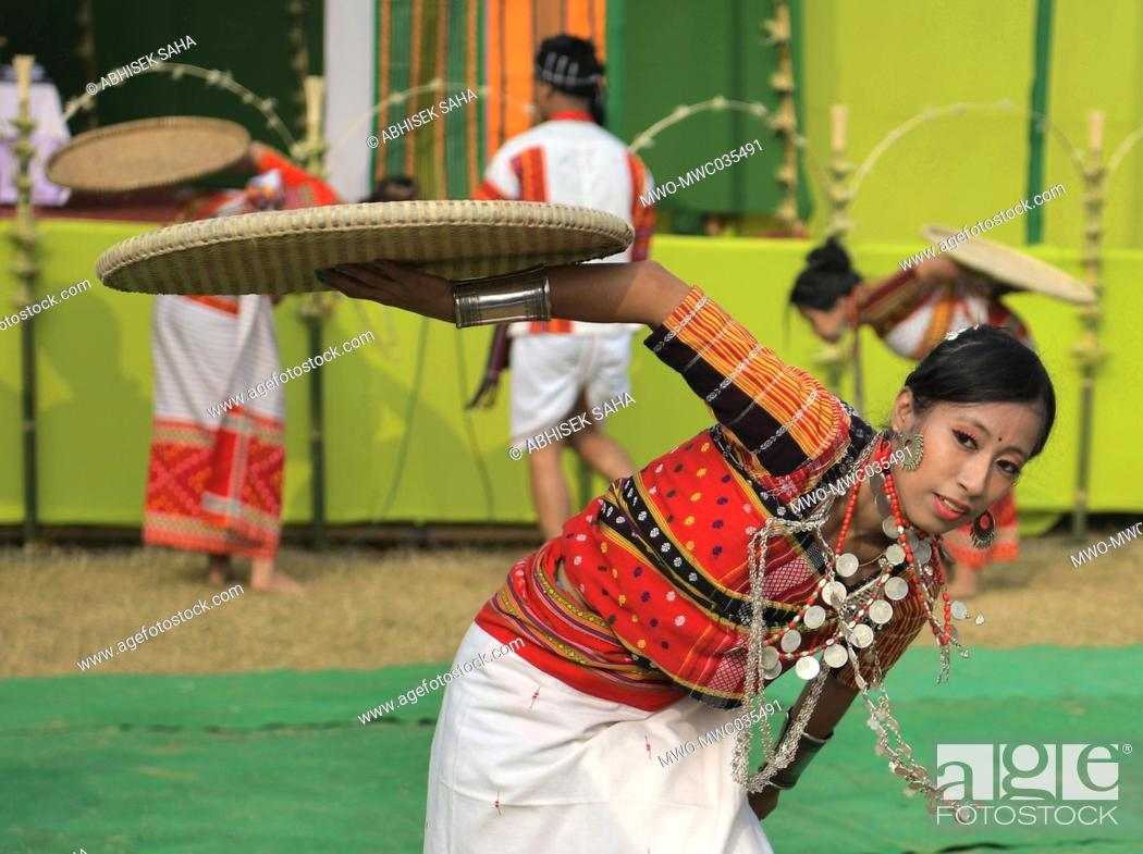 "Imagen: Performers during a cultural program on the celebration of """"Kokborok Day"""". Kokborok Day (Tripuri Language Day), is a festival celebrated in the Indian state."
