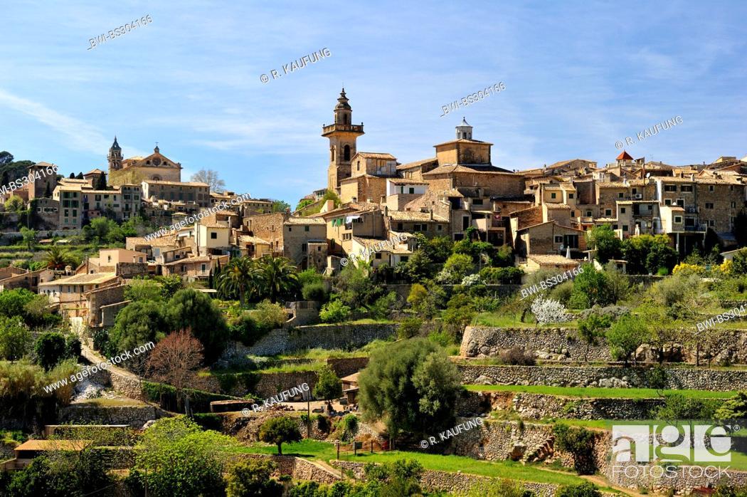 Stock Photo: panoramic view of the pictoresque town, Spain, Balearen, Majorca, Valdemossa.
