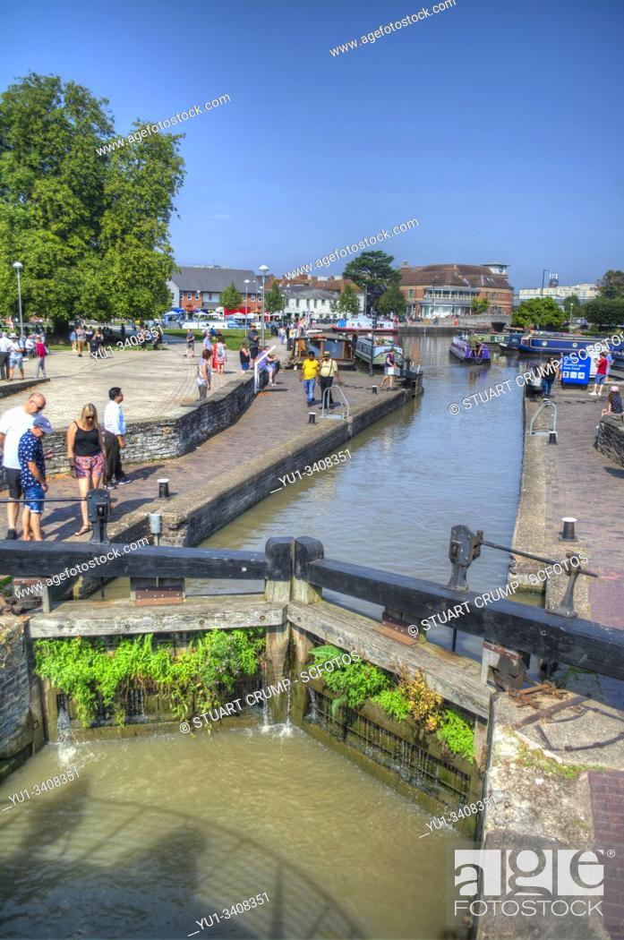 Stock Photo: Lock on the River Avon at Stratford-Upon-Avon UK.