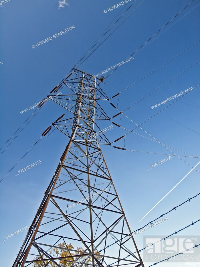 Stock Photo: Electric power transmission lines from the Carr powerplant in Shasta County, California.