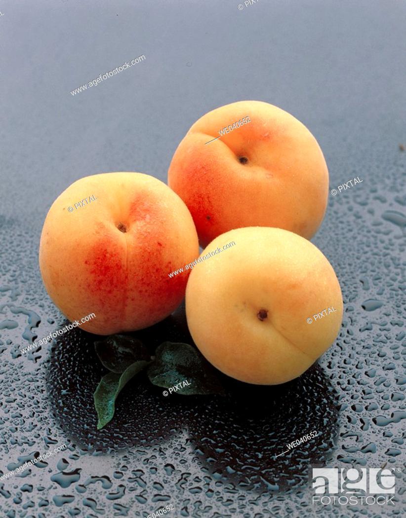 Stock Photo: Apricots.