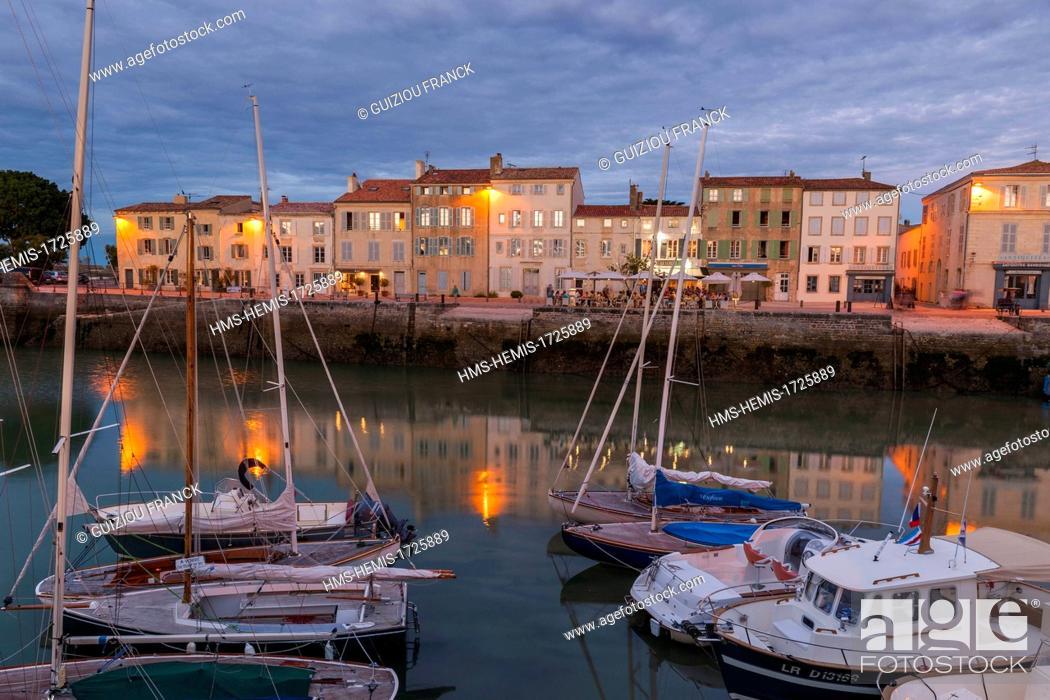 Stock Photo: France, Charente Maritime, Ile de Re, Sainte Martin de Re.