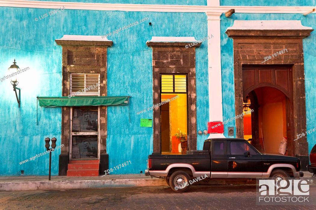 Imagen: tequila village in mexico.