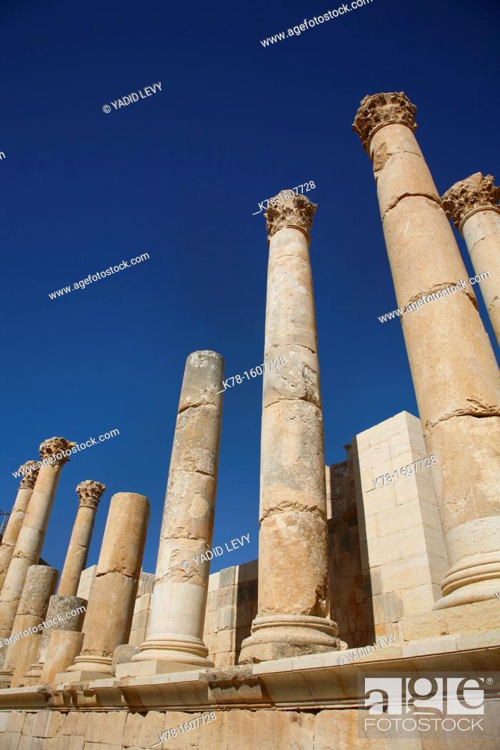 Stock Photo: Temple of Zeus, Jerash, Jordan.