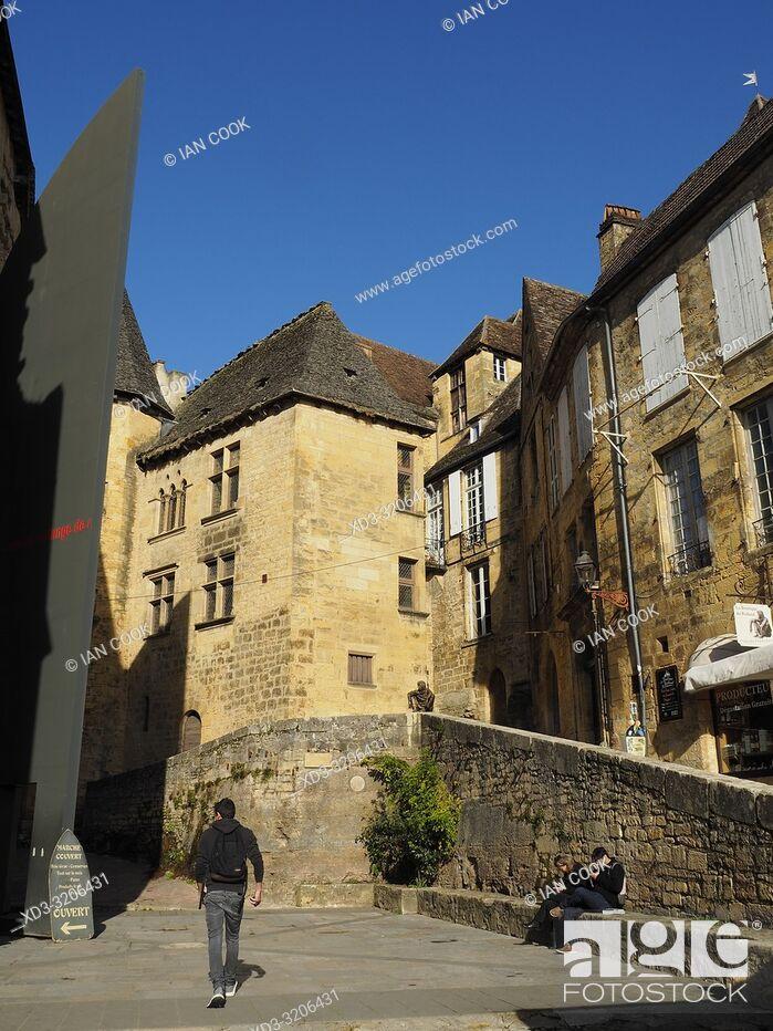 Stock Photo: medieval architecture, Sarlat-la-Caneda, Dordogne Department, Nouvelle-Aquitaine, France.