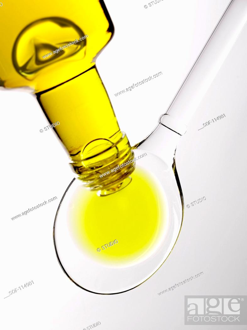 Stock Photo: Spoonful of oil.