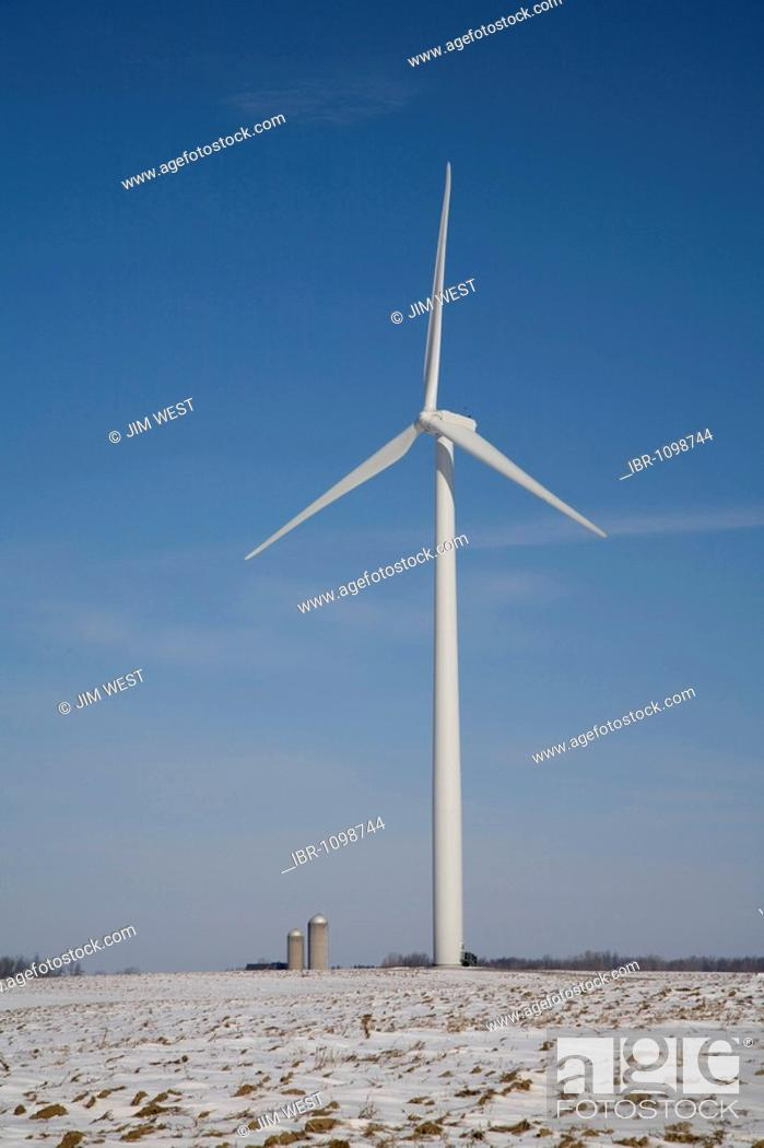 Stock Photo: The Noble Thumb Windpark, owned by John Deere Wind Energy, Ubly, Michigan, USA.