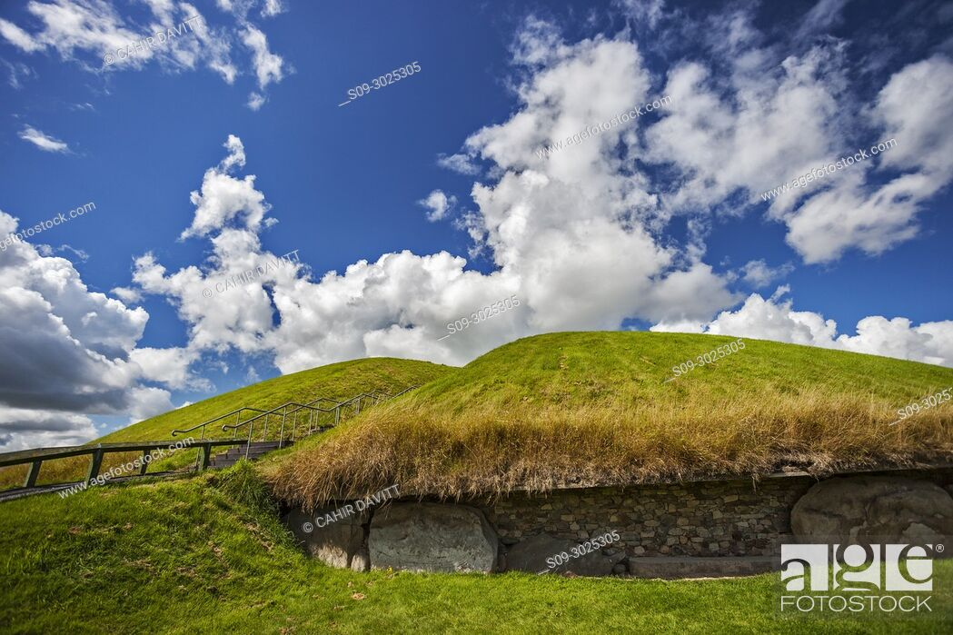 Stock Photo: The UNESCO World Heritage Site Neolithic, Bru na Boinne complex, Knowth Passage Tomb Monument, in the Boyne Valley, Slane, Co.