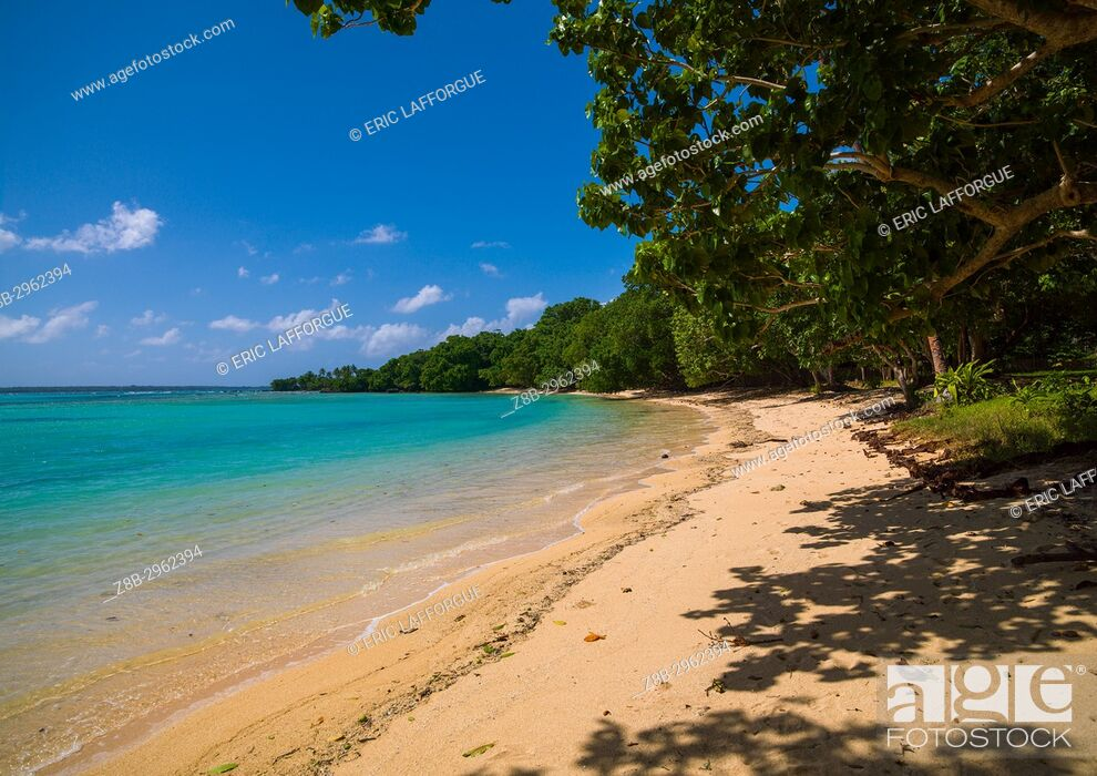 Stock Photo: Champagne beach with turquoise water, Sanma Province, Espiritu Santo, Vanuatu.