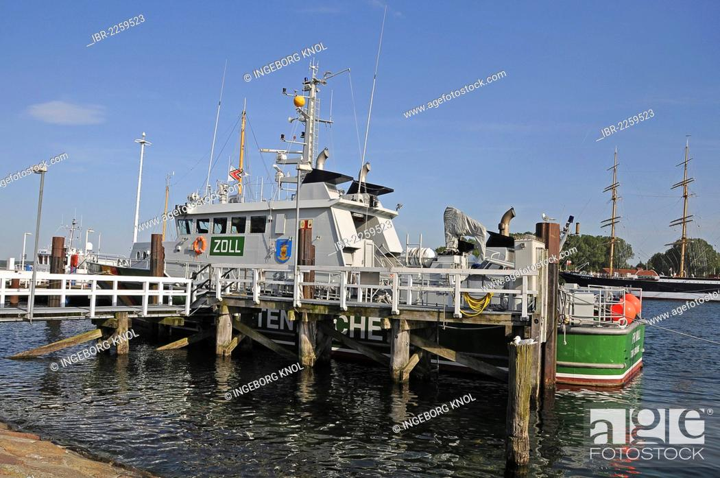 Stock Photo: Jetty and a customs ship, Travemuende, Luebeck Bay, Schleswig-Holstein, Germany, Europe.