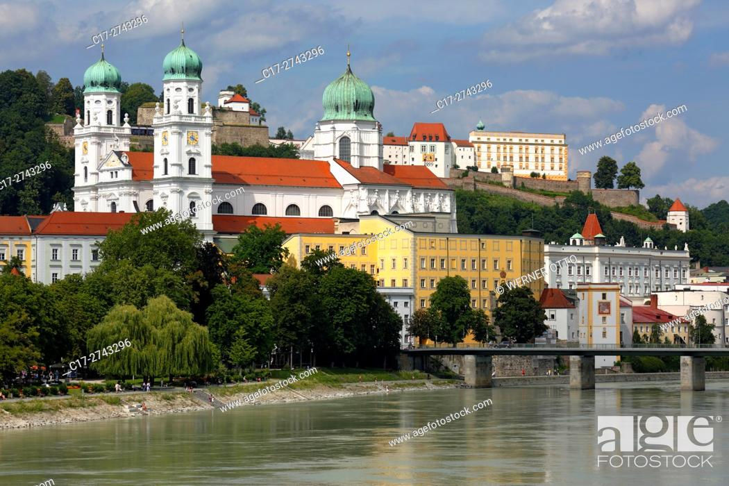 Stock Photo: Germany, Bavaria, Eastern Bavaria, Lower Bavaria, Passau, Danube, Inn, Ilz, St. Stephens Cathedral, Bishop church, baroque, Old Residence with Land court.