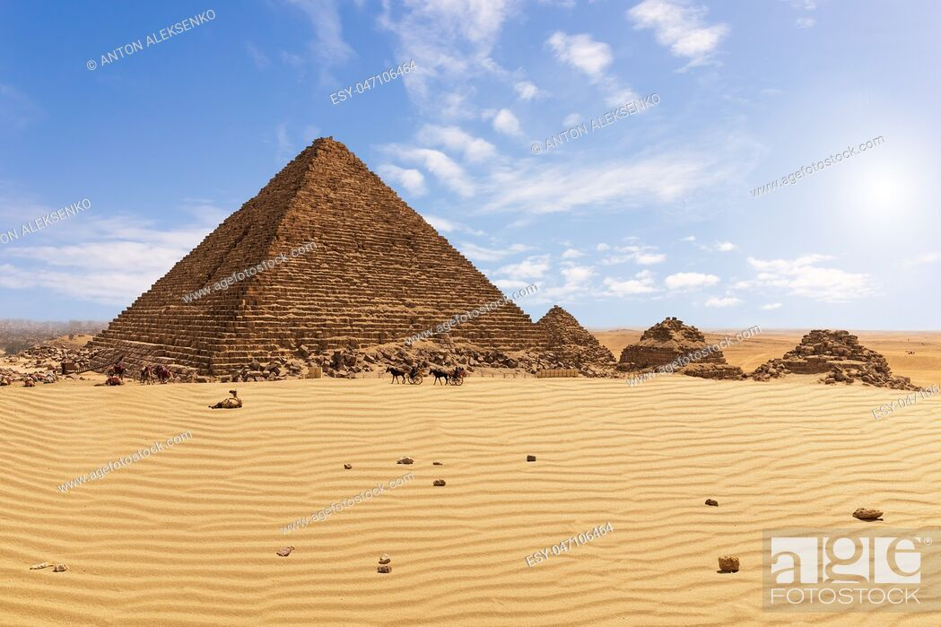 Imagen: The Pyramid of Menkaure and the pyramid companions, Giza, Egypt.