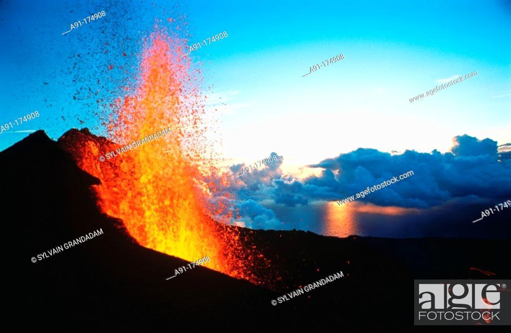 Stock Photo: Volcano Piton de la Fournaise, 1998 eruption. Reunion Island.