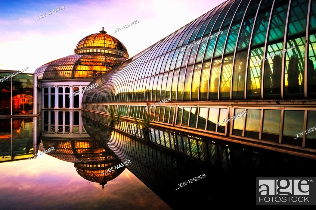 Stock Photo: Marjorie McNeely Conservatory at Como Park in St  Paul, Minnesota was first opened in 1915.