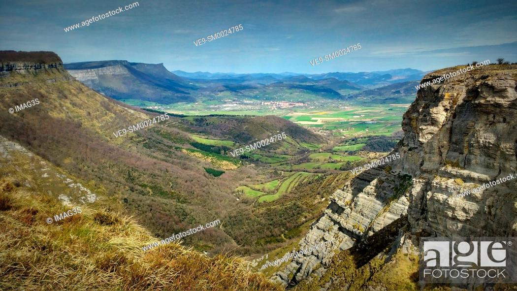 Stock Photo: Nervion canyon in Delika, Araba, Basque Country, Spain.