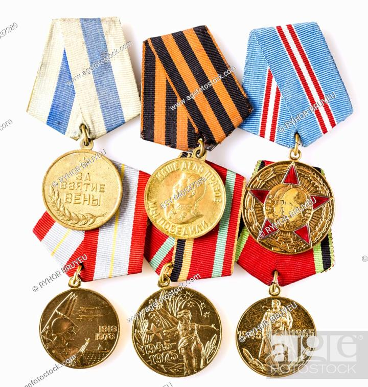 Imagen: MINSK, BELARUS - FEB 06: Collection of Russian (soviet) medals for participation in the Second World War, February 06, 2014.