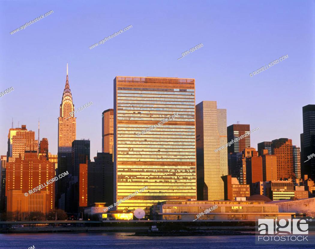 Stock Photo: Chrysler & United Nations Buildings, Mid-town Skyline, Manhattan, New York, Usa.