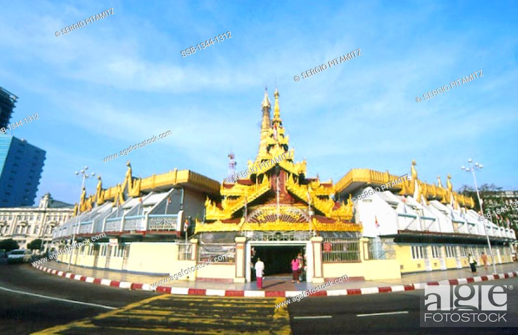 Stock Photo: Facade of a pagoda, Sule Pagoda, Yangon, Myanmar.