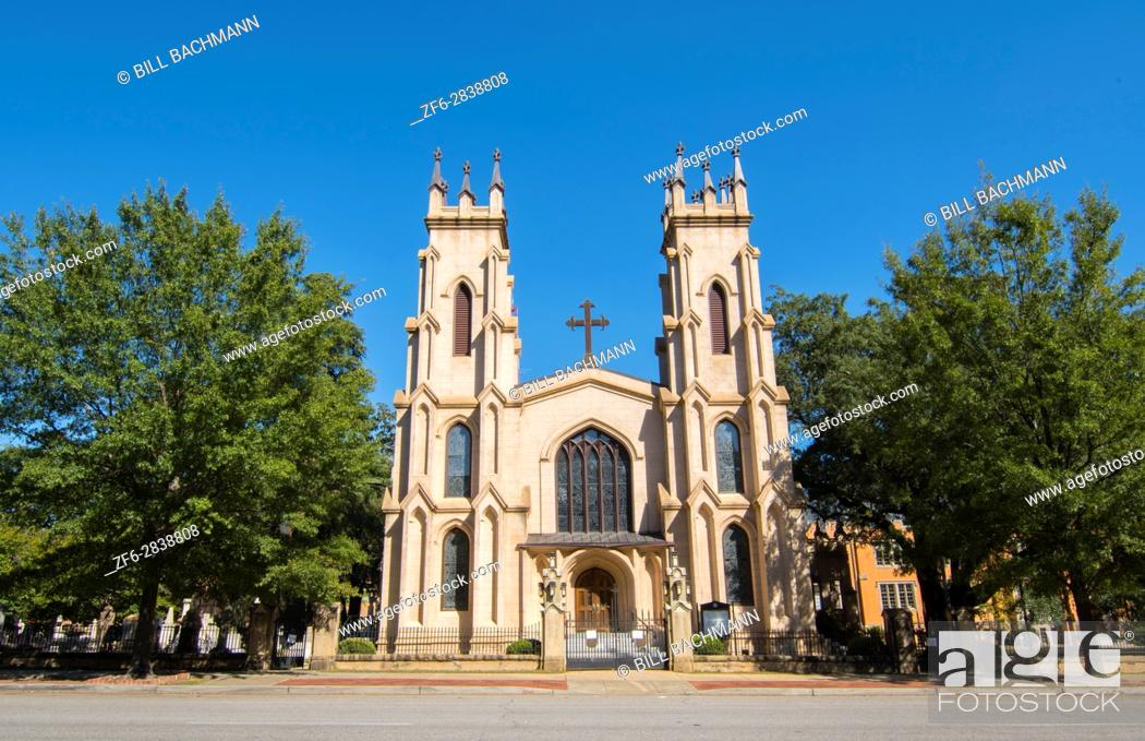 Imagen: Columbia South Carolina Trinity Episcopal Church 1812 downtown on Sumter Street Cathedral.