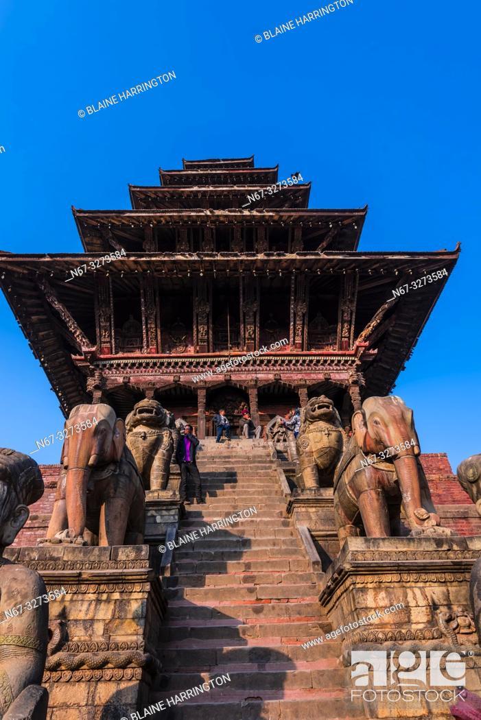 Stock Photo: Nyatapola Pagoda, Taumadhi Square, Bhaktapur, Kathmandu Valley, Nepal.