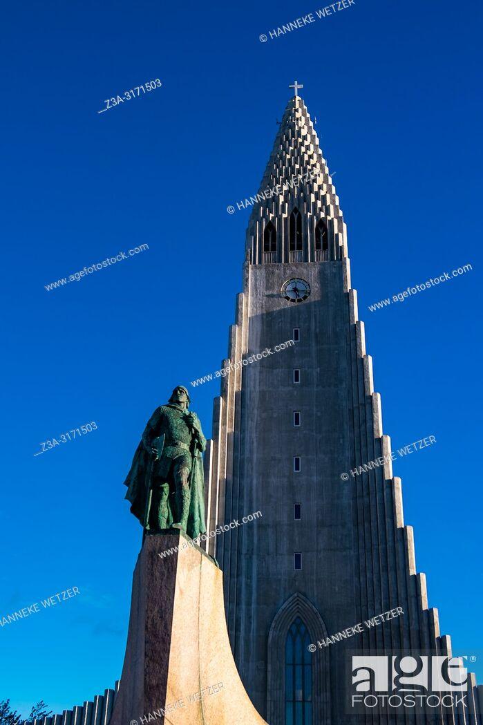 Photo de stock: Hallgrímskirkja in Reykjavic, Iceland.