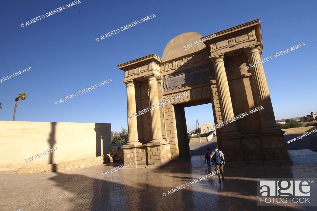Stock Photo: The Bridge Gateway, Old town, Córdoba, Andalusia, Spain, Europe.