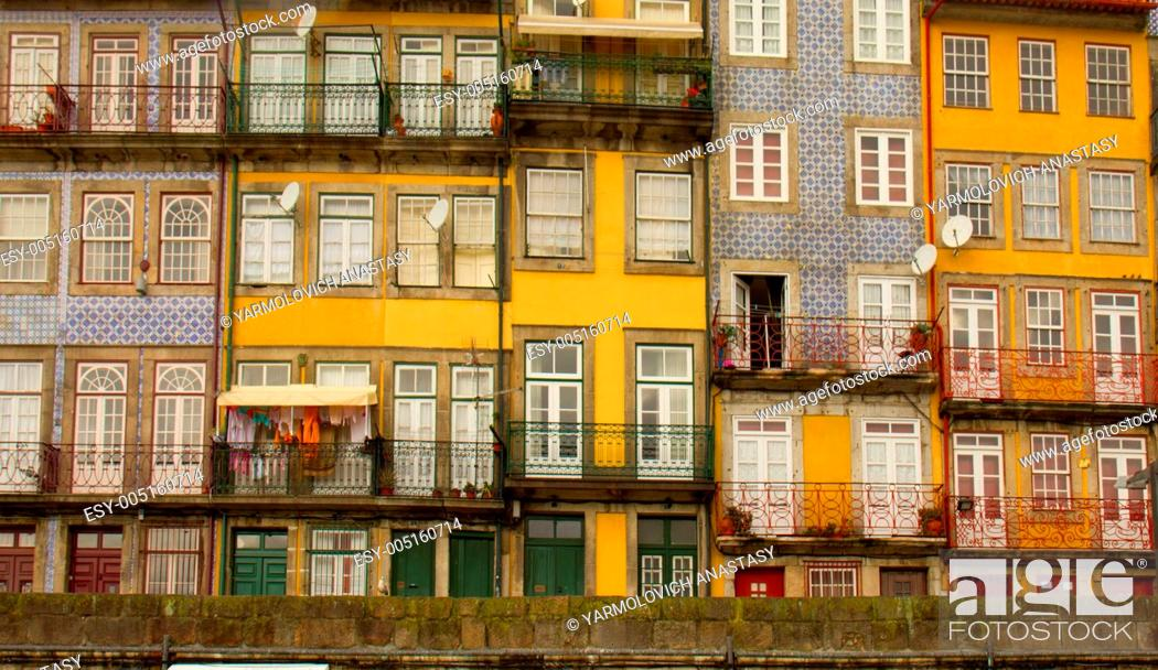 Stock Photo: old town, Porto, Portugal.