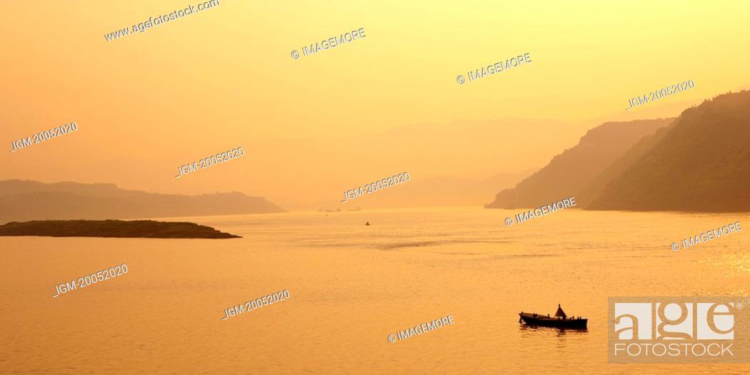 Stock Photo: China, Yangtze River, Three Gorges.