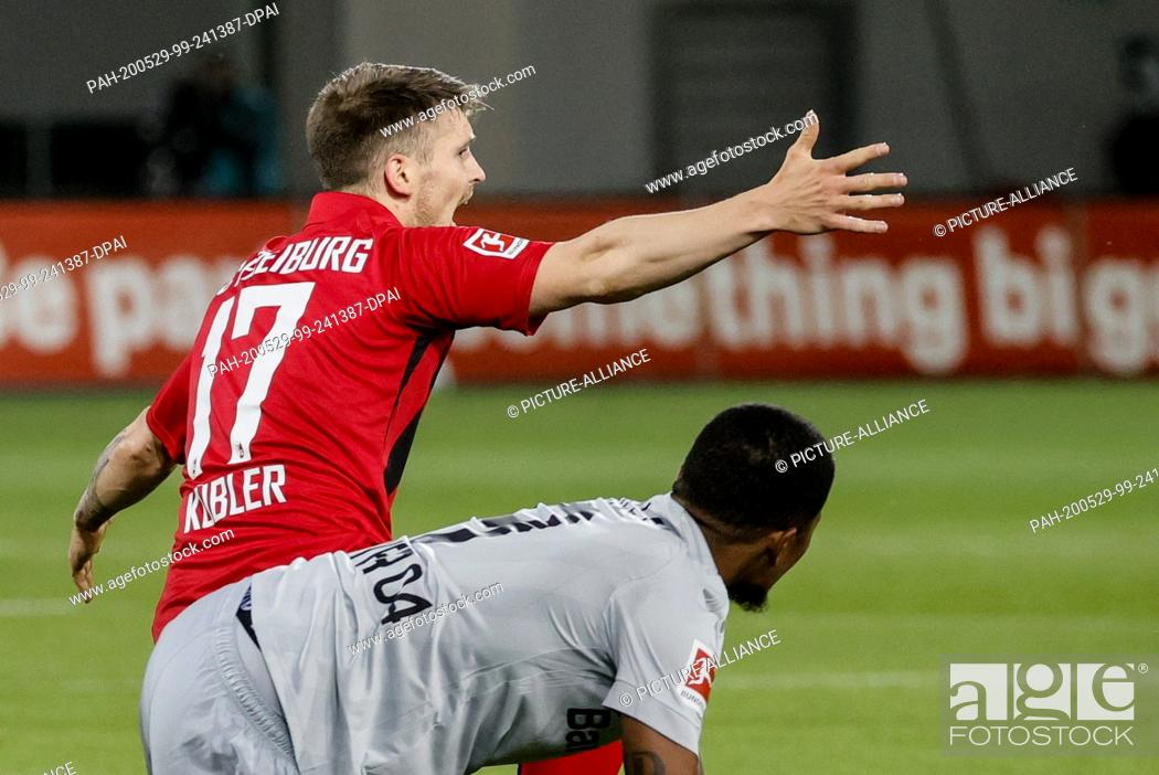 Stock Photo: 29 May 2020, Baden-Wuerttemberg, Freiburg im Breisgau: Football: Bundesliga, SC Freiburg - Bayer Leverkusen, 29th matchday at the Black Forest Stadium.