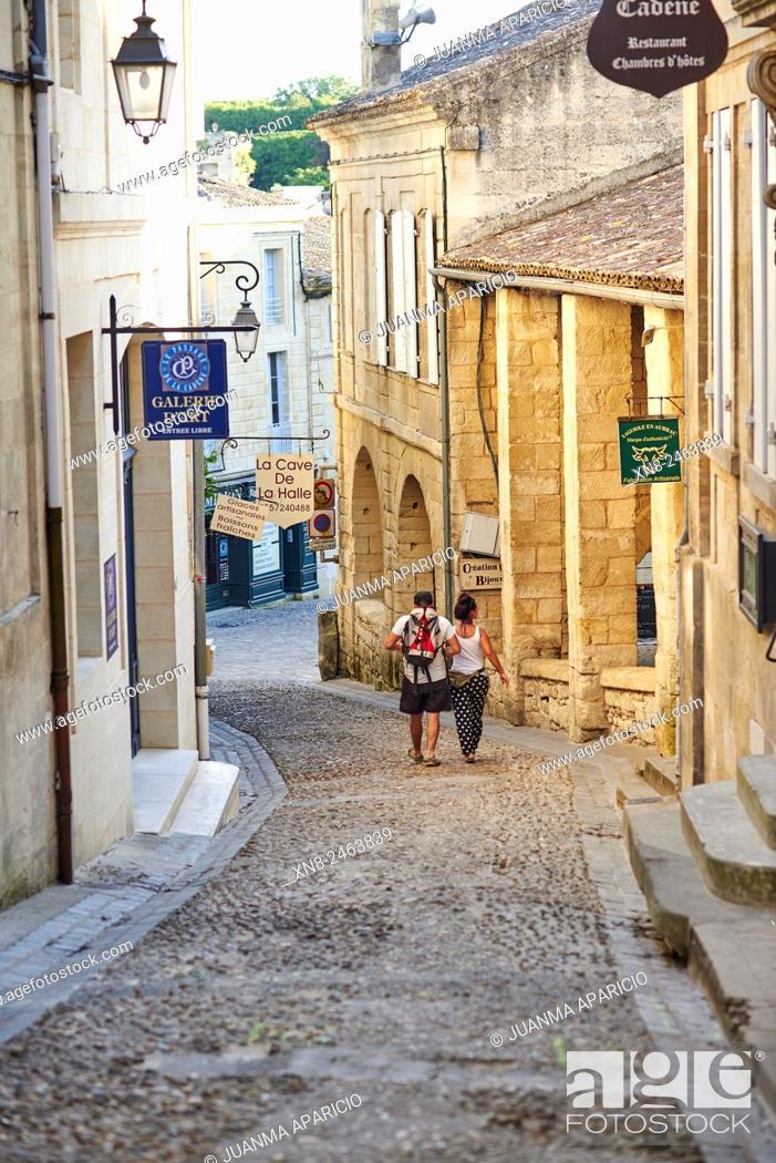 Stock Photo: Saint Emilion, Gironde, Aquitaine, France, Europe.