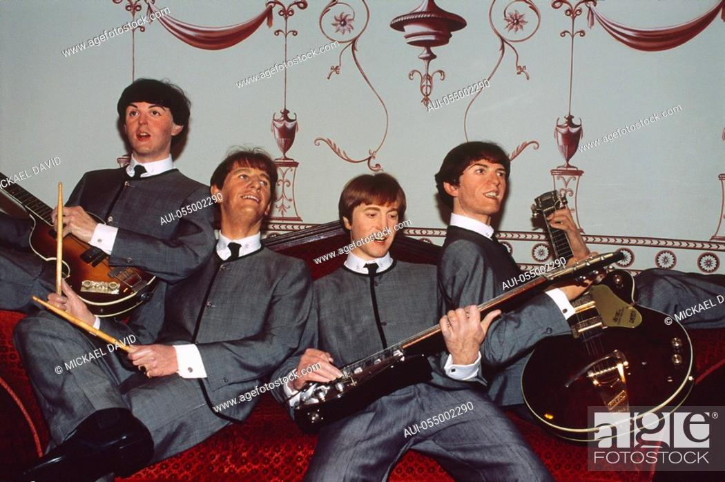 Stock Photo: England - London - Maybelone district - wax figures at Madame Tussaud's wax museum.